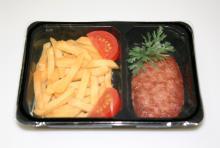 Упаковка готовых вторых блюд в лотки Запайщики лотков трейсилеры